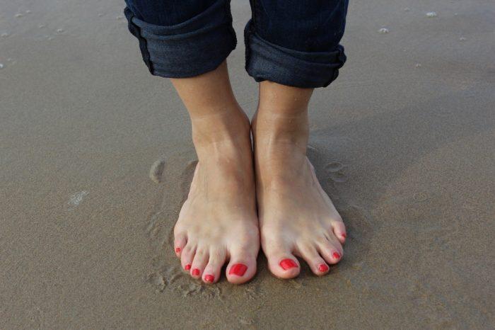 caviglie gonfie quali sono le cause e quali sono i rimedi