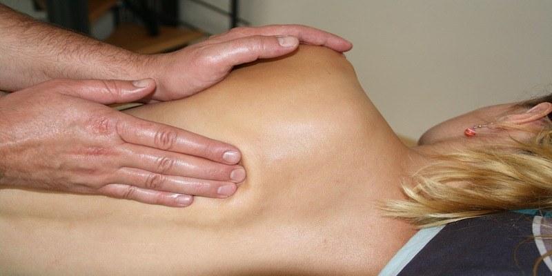 cuscino-ortopedico-mal-di-schiena