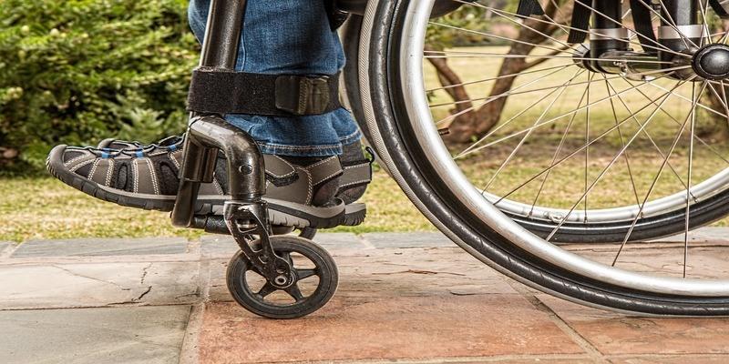 transito-sedia-a-rotelle